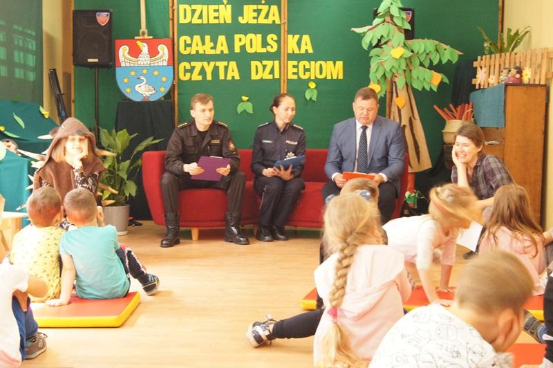 """Zdjęcia z """"Dzień Jeża"""" Cała Polska Czyta Dzieciom 6"""