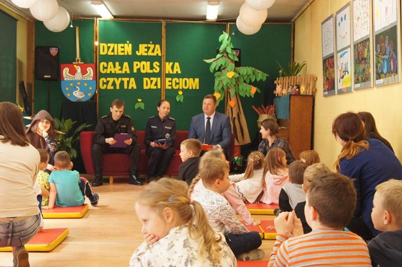 """Zdjęcia z """"Dzień Jeża"""" Cała Polska Czyta Dzieciom 7"""