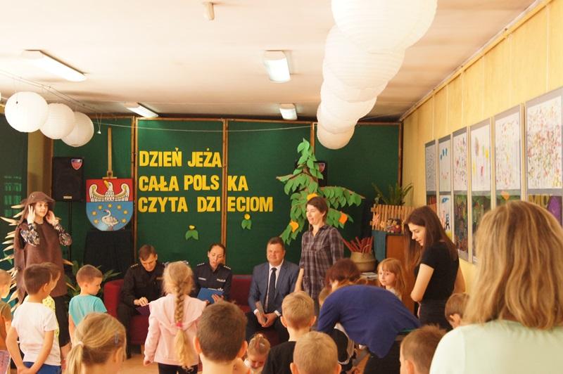 """Zdjęcia z """"Dzień Jeża"""" Cała Polska Czyta Dzieciom 8"""