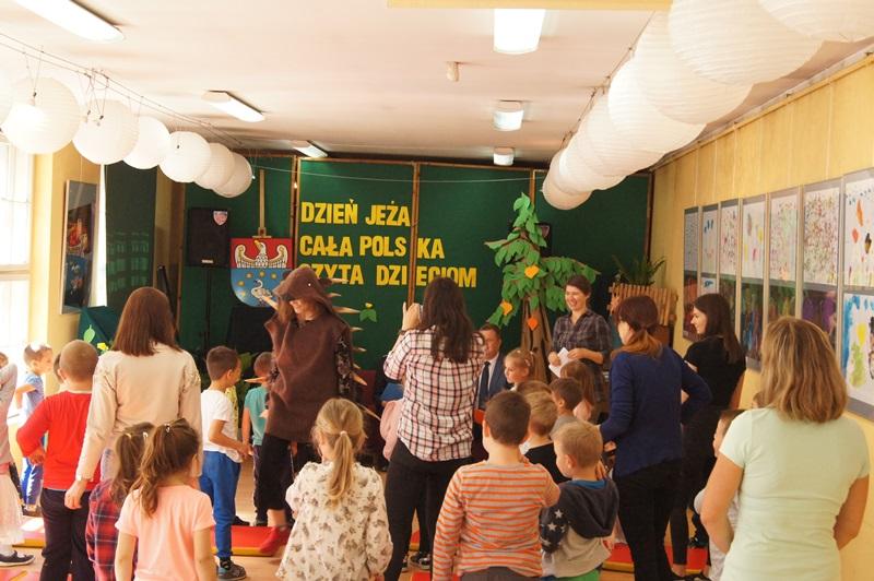 """Zdjęcia z """"Dzień Jeża"""" Cała Polska Czyta Dzieciom 9"""