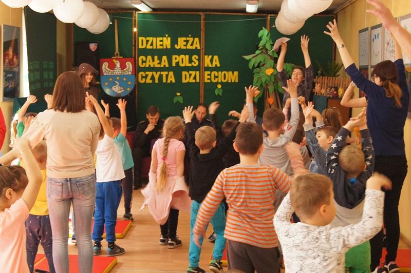 """Zdjęcia z """"Dzień Jeża"""" Cała Polska Czyta Dzieciom 10"""