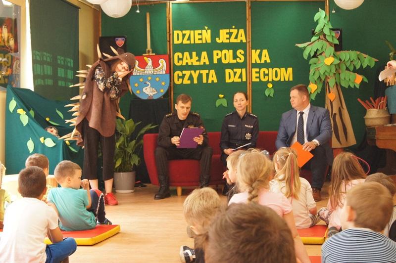"""Zdjęcia z """"Dzień Jeża"""" Cała Polska Czyta Dzieciom14"""