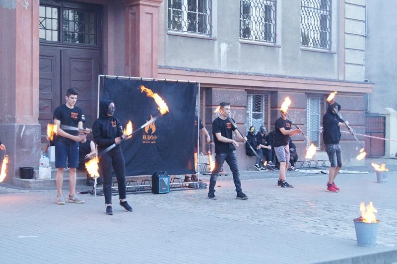 I-grając z ogniem