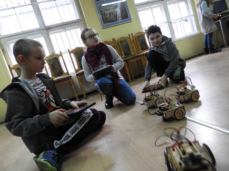 2020_02-bibliotekakepno.pl_lofi_robot_04