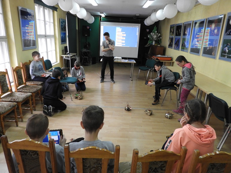 2020_02-bibliotekakepno.pl_lofi_robot_08